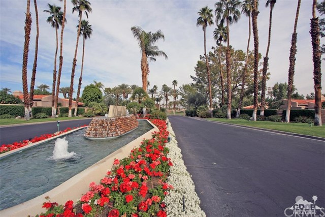 45878 Algonquin Circle, Indian Wells CA: http://media.crmls.org/medias/16ad831a-dae2-40ac-830d-9e3c3d4a27f5.jpg