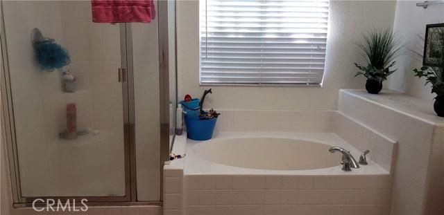 13223 La Crescenta Avenue, Oak Hills CA: http://media.crmls.org/medias/16b4dabc-8662-452a-b08c-8305945c2163.jpg
