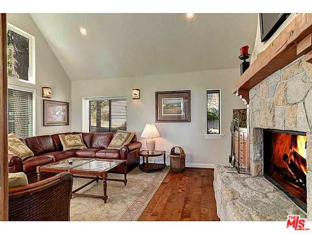 Additional photo for property listing at 28864 Palisades Drive  Lake Arrowhead, California 92352 United States