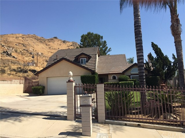 Single Family Home for Sale at 23093 Palm Avenue Grand Terrace, California 92313 United States