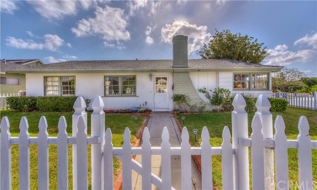 Single Family Home for Sale at 17334 Santa Clara St Fountain Valley, California 92708 United States