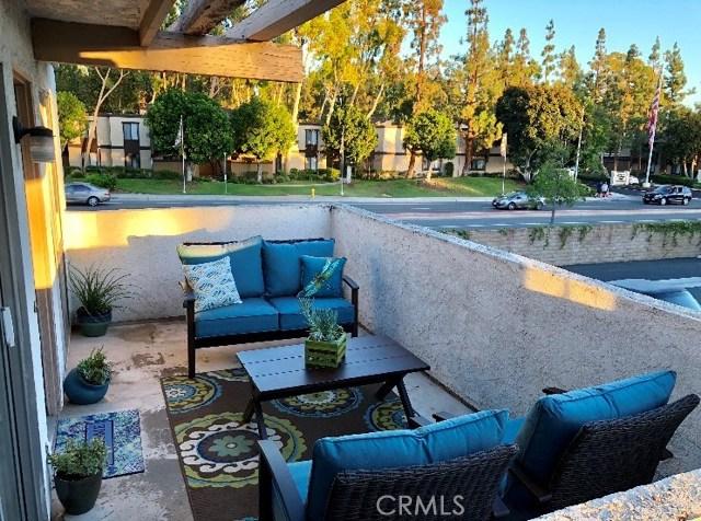 97 Oval Road Unit 4 Irvine, CA 92604 - MLS #: OC18181687