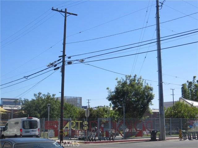 527 S Molino Street, Los Angeles CA: http://media.crmls.org/medias/16edd1a8-129b-4e27-b792-d298be569016.jpg