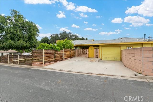 324 W Kendall Street, Corona CA: http://media.crmls.org/medias/16efd92b-8435-481d-b39e-218cf383a9e6.jpg