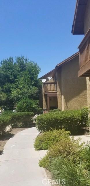 167 Tangelo, Irvine CA: http://media.crmls.org/medias/16f52d4d-5241-4568-9c0f-85953f85345e.jpg