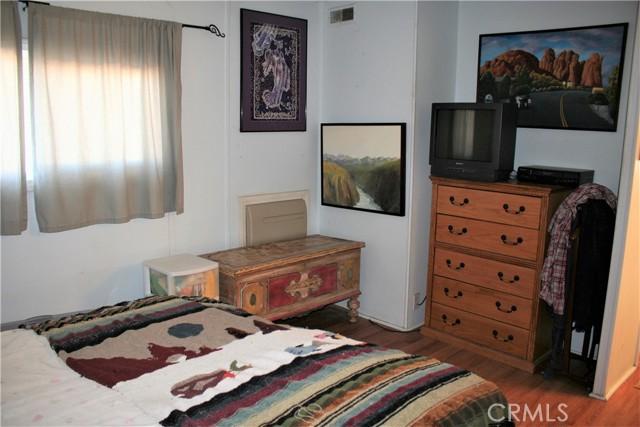 56254 29 Palms Highway, Yucca Valley CA: http://media.crmls.org/medias/16fd2cf6-352d-483a-9395-019ab97bae6f.jpg