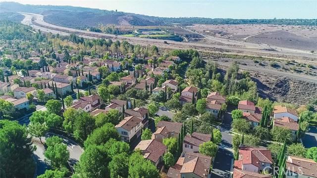 40 Gardenpath, Irvine CA: http://media.crmls.org/medias/170c4687-ad44-4f99-8ba8-1c63dc676ac8.jpg