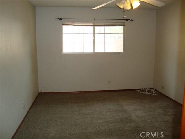 34951 Gail Avenue, Yucaipa CA: http://media.crmls.org/medias/171ddb95-a11d-4a85-a058-b4faf08a6918.jpg