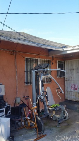Residential Income for Sale at 2321 W 29th Place 2321 W 29th Place Los Angeles, California 90018 United States