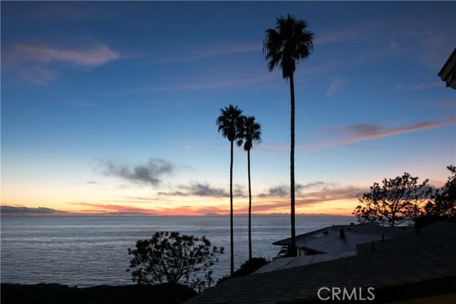 107 S La Senda Drive, Laguna Beach CA: http://media.crmls.org/medias/1729a6e1-d729-4153-aa96-7f5bba092f35.jpg