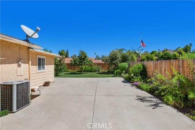 6445 Foster Drive, Riverside CA: http://media.crmls.org/medias/17310370-57e5-427d-bc7a-d921e9694da1.jpg