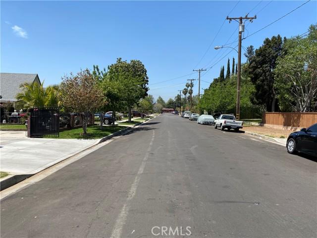 607 Royce Street, Altadena CA: http://media.crmls.org/medias/17677839-65b2-4581-8d25-f9a64422aed5.jpg