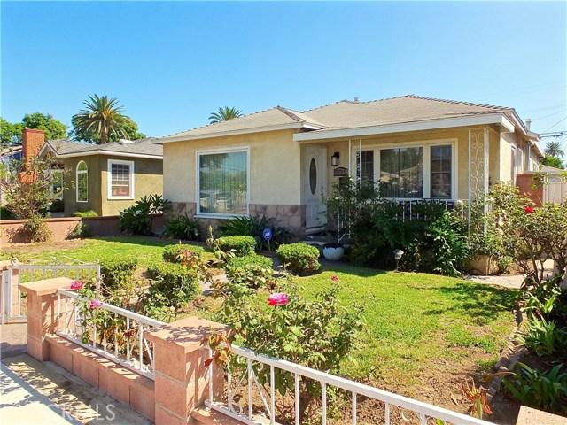 2774 Delta Avenue, Long Beach CA: http://media.crmls.org/medias/176cf8f5-5329-4ea3-aef2-6030e3f61728.jpg
