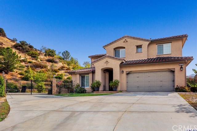 Single Family Home for Sale at 9254 Wildwood Avenue Sun Valley, 91352 United States