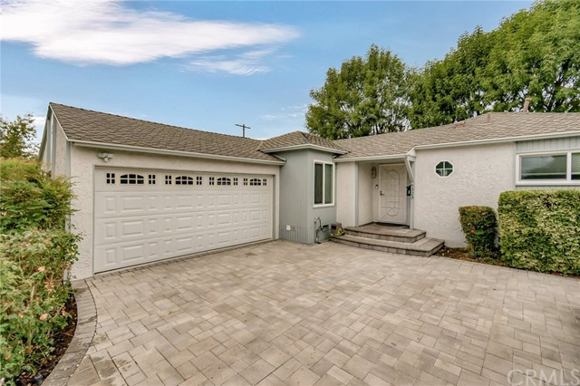 Detail Gallery Image 1 of 40 For 6323 Canby Ave, Tarzana,  CA 91335 - 4 Beds   2 Baths