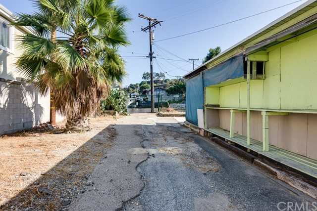 Additional photo for property listing at 25633 Crenshaw Boulevard 25633 Crenshaw Boulevard Torrance, California,90505 United States