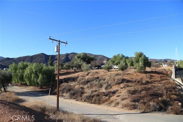 1709 Galloway Lane, Corona CA: http://media.crmls.org/medias/178a0233-373c-4ec0-9415-d07d1a341b22.jpg