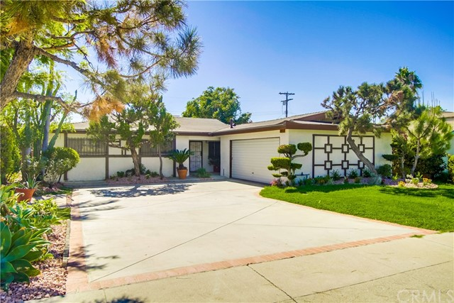 9009 Oneida Avenue, Sun Valley CA: http://media.crmls.org/medias/179dc786-6497-4df7-8e06-abbada0af9e0.jpg