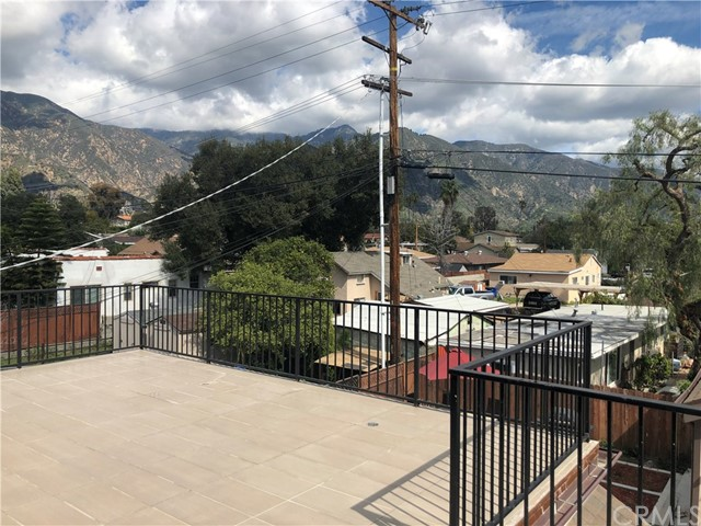 1768 Sierra Bonita, Pasadena CA: http://media.crmls.org/medias/17a4ebe8-9acf-497f-ac6d-b3758e764e9e.jpg