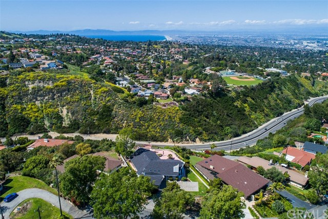 Single Family Home for Sale at 27681 Eastvale Road Palos Verdes Peninsula, California 90274 United States