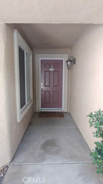 15409 Caroline Street, Fontana CA: http://media.crmls.org/medias/17b16802-7dd7-40fd-831c-68c633073ed1.jpg