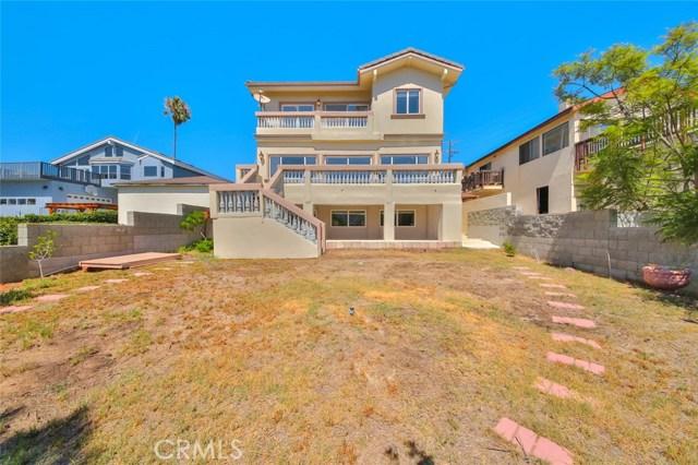1064 Avenue D, Redondo Beach CA: http://media.crmls.org/medias/17cb9b99-d9bb-4668-bec2-928a82ca73b0.jpg