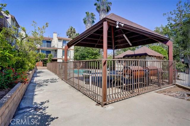 620 W Hyde Park Boulevard, Inglewood CA: http://media.crmls.org/medias/17cea68f-60f5-4e68-81da-e0748381a5cb.jpg