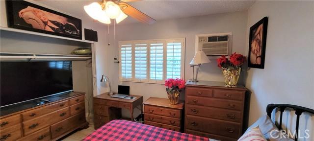 354 Crosby Street, Altadena CA: http://media.crmls.org/medias/17cff4ac-3fa4-4815-84d7-5535713cdf1b.jpg