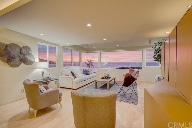 One of Redondo Beach 2 Bedroom Homes for Sale at 320  Paseo De La Playa F