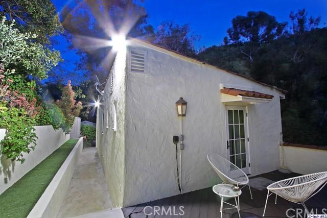 9807 Portola Drive, Beverly Hills CA: http://media.crmls.org/medias/17dfd0f0-570f-481f-a2a1-ed2393c9b40a.jpg