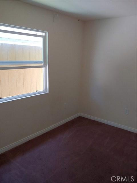 3360 Wisconsin Avenue, South Gate CA: http://media.crmls.org/medias/17e4988e-f1be-4ac5-954a-3c460fea42c3.jpg