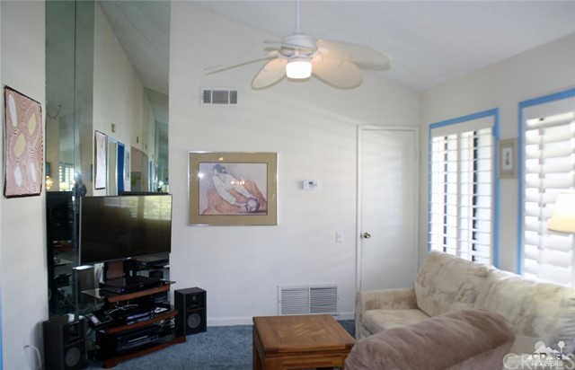 351 Hermosa Drive, Palm Springs CA: http://media.crmls.org/medias/1800eed0-212b-42b8-8fe3-f6502d7d35b6.jpg