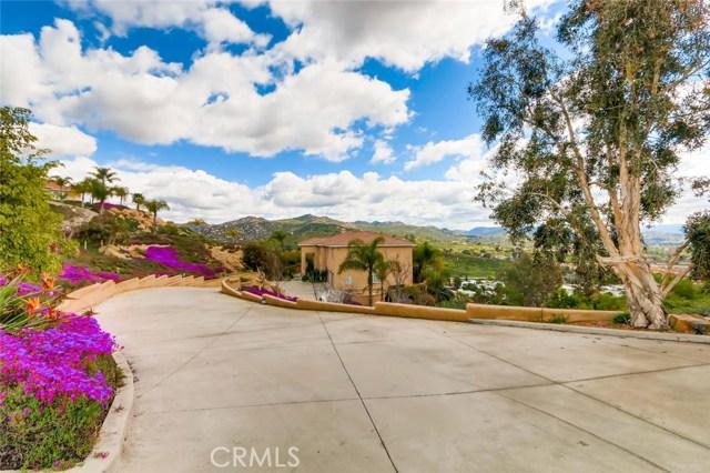 8167 Sterling Drive, El Cajon CA: http://media.crmls.org/medias/1804bbba-592f-4c76-8654-fb4a1a834c06.jpg