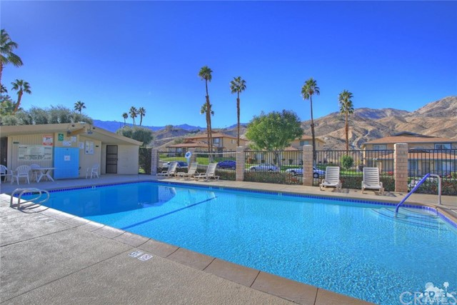 72664 Eagle Road, Palm Desert CA: http://media.crmls.org/medias/18092ea4-27a4-4514-9ff7-0d71b447e439.jpg