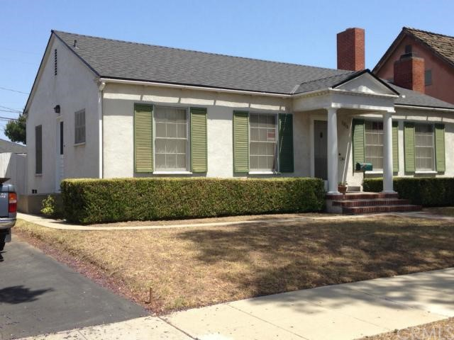 Single Family Home for Rent at 3210 Cerritos Avenue Signal Hill, California 90755 United States