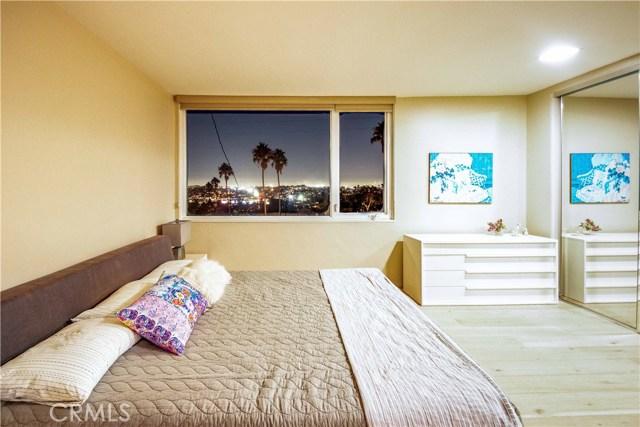 301 Avenida Atezada, Redondo Beach CA: http://media.crmls.org/medias/18181460-f03a-43ab-954d-f9b30e2fce6e.jpg