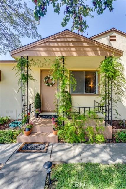 233 S Louise Avenue, Azusa CA: http://media.crmls.org/medias/182a7066-3d06-4313-832e-aa0c05c48649.jpg