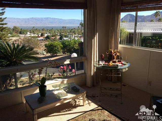 43 Country Club Drive, Palm Desert, CA, 92260