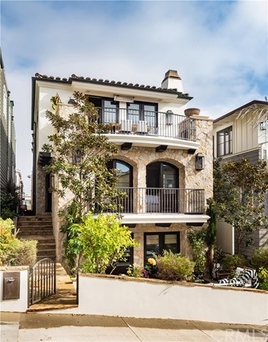 204  16th Street, Manhattan Beach in Los Angeles County, CA 90266 Home for Sale