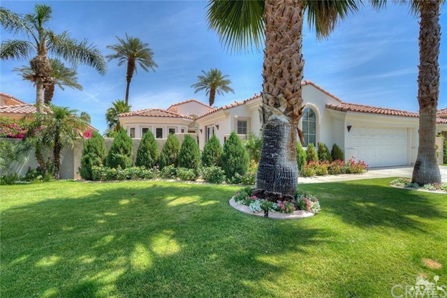 50480 Spyglass Hill Drive Drive La Quinta, CA 92253 is listed for sale as MLS Listing 217010912DA