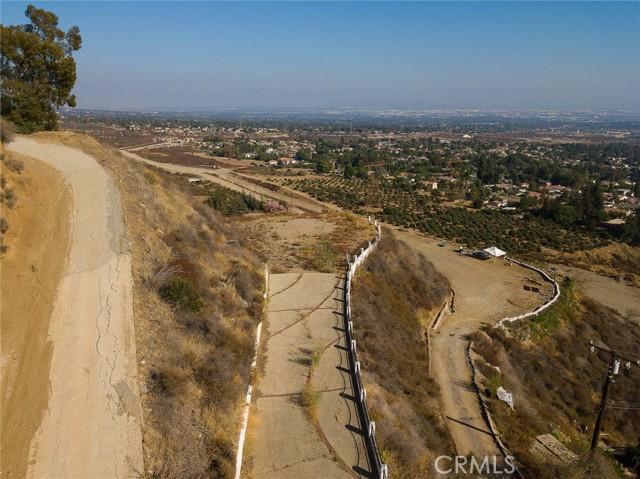 19 E 26th Street, Upland CA: http://media.crmls.org/medias/1860f1e4-d579-4b66-8acb-a12cef30f410.jpg