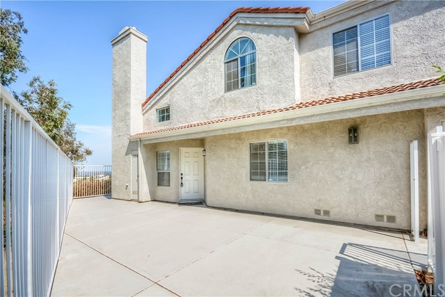 13170 Pinnacle Court, Chino Hills CA: http://media.crmls.org/medias/186158ff-e1d9-49d1-85fe-76d089412a89.jpg
