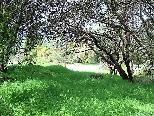 18605 Pine Flat Court, Hidden Valley Lake CA: http://media.crmls.org/medias/186354ab-5b31-439f-8dab-e24ff3e89f8e.jpg