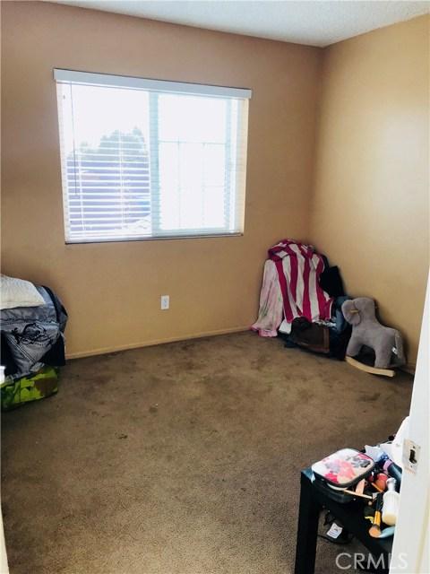 13335 Cavandish Lane, Moreno Valley CA: http://media.crmls.org/medias/1864dc22-cd54-4648-b5e0-65bbe5248288.jpg
