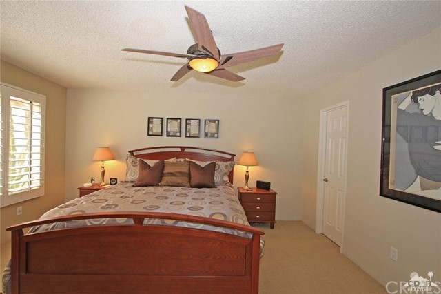 140 Avenida Las Palmas, Rancho Mirage CA: http://media.crmls.org/medias/186539c3-032a-421b-869a-22f39dc0d8ba.jpg