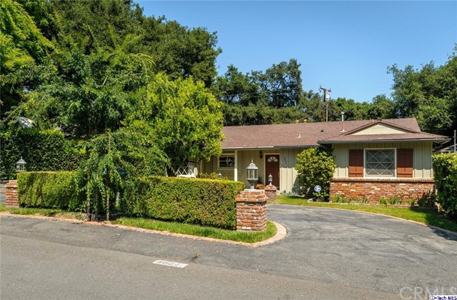 4834 Hampton Road La Canada Flintridge, CA 91011 is listed for sale as MLS Listing 317002261