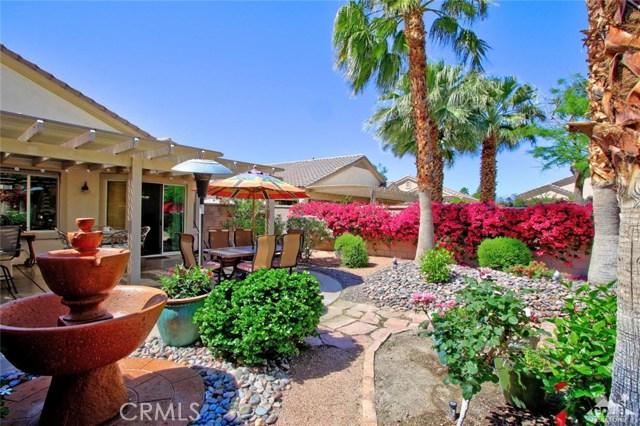 78936 Spirito Court, Palm Desert CA: http://media.crmls.org/medias/1878b12a-af88-4698-9ed5-de487da34ffc.jpg