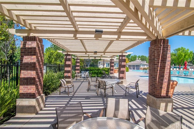 16010 Huntington Garden Avenue, Chino CA: http://media.crmls.org/medias/188fae4b-5c57-49f0-a018-b03cb8bf380d.jpg