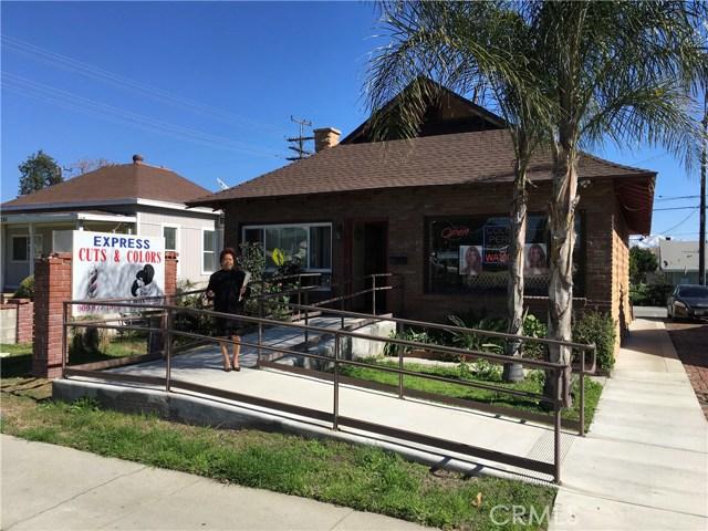 239 N Riverside Avenue, Rialto CA: http://media.crmls.org/medias/189a7085-de36-4a69-bdfe-6d00c1ec9fda.jpg