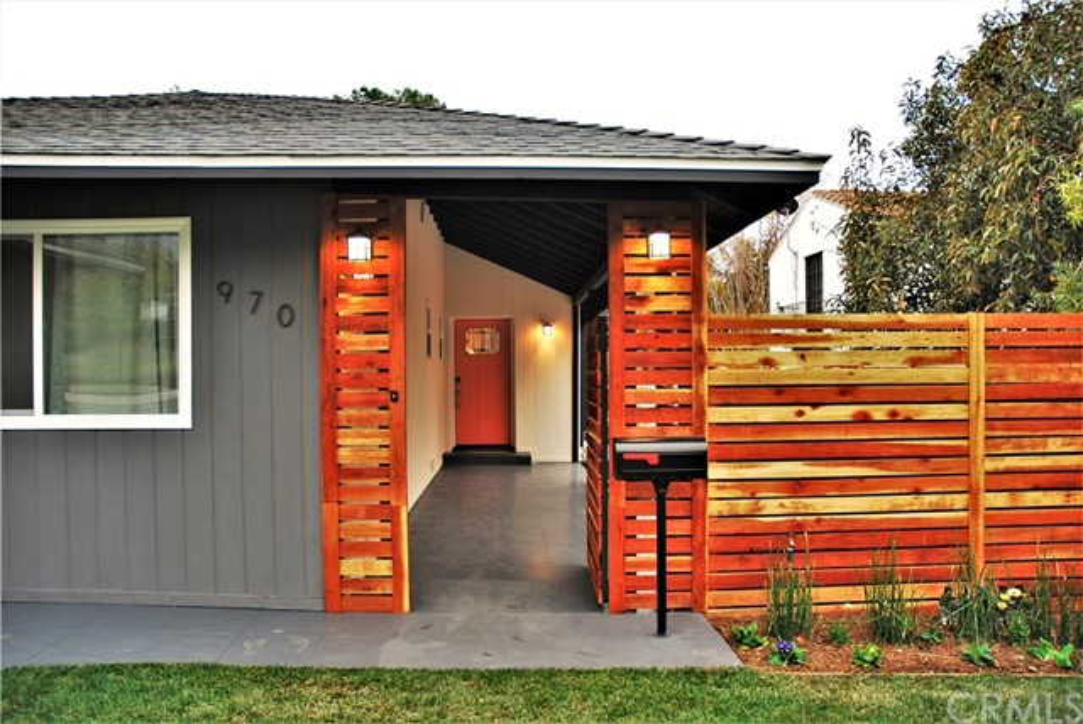 970 E Woodbury Rd, Pasadena, CA 91104 Photo 2